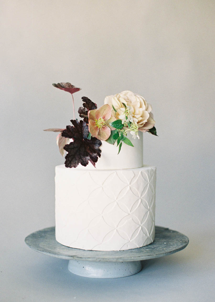 blommor dekoration tårta