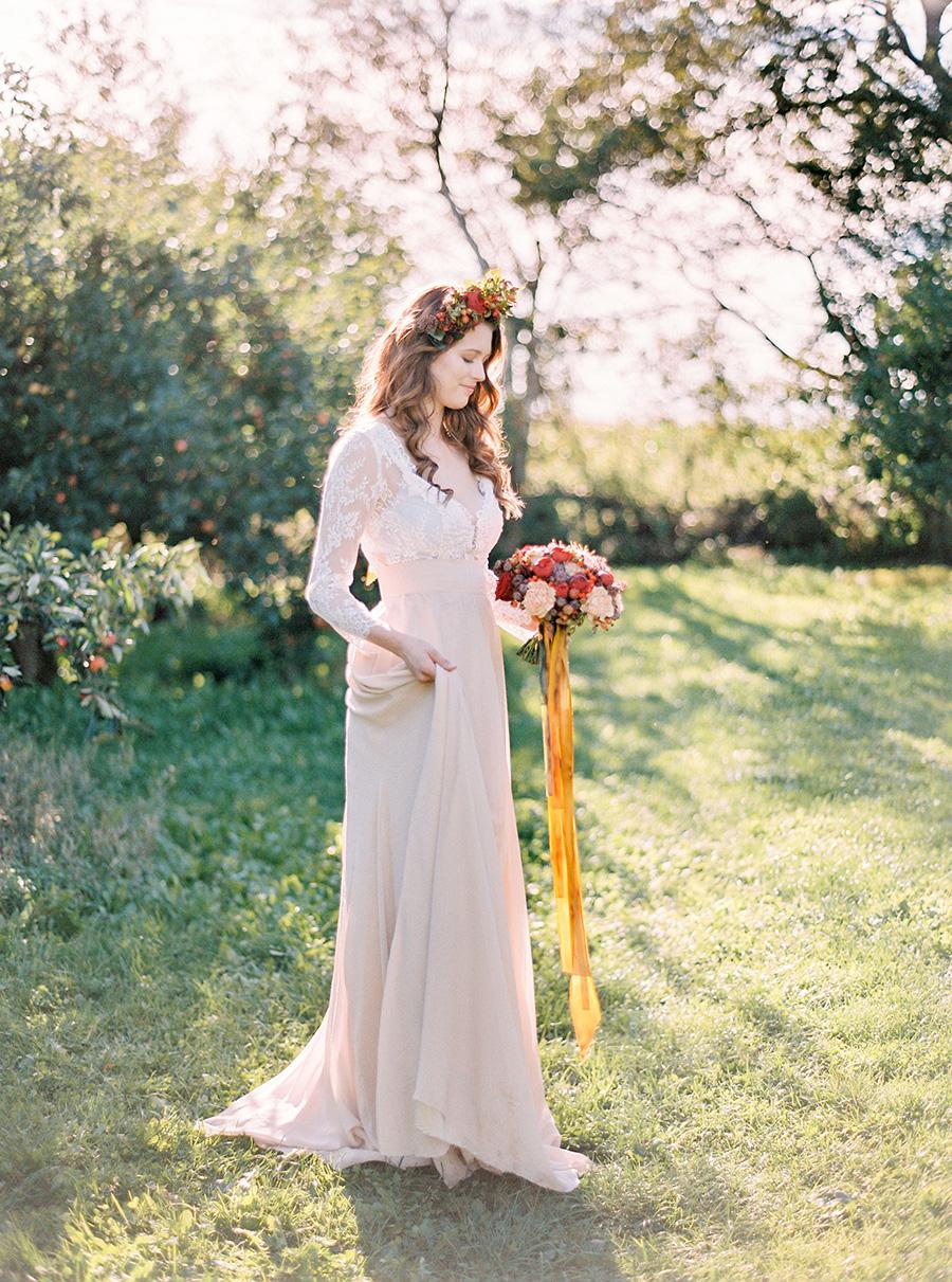 Bröllopsblommor till höstbröllop the wild rose