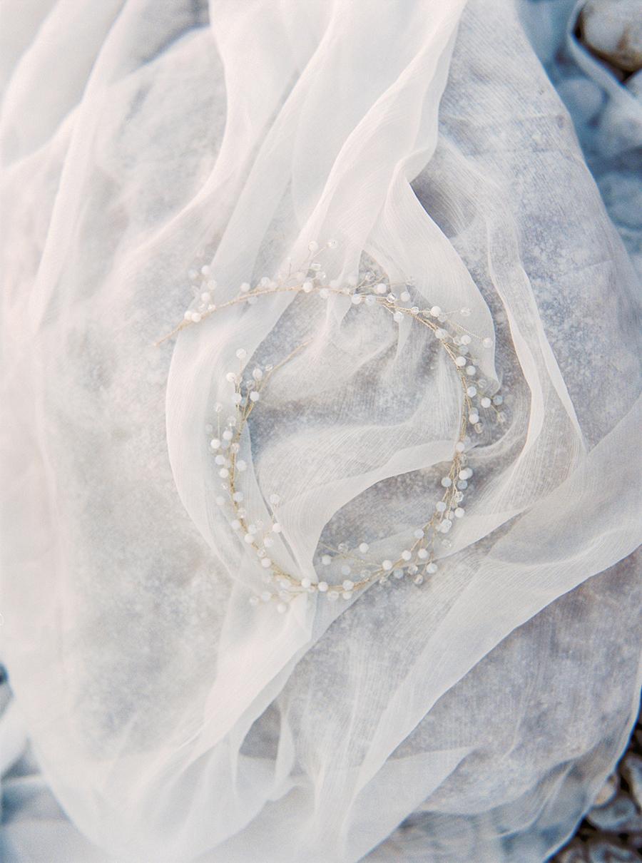 håraccessoar till bröllop av kristaller