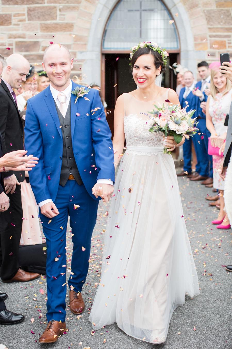cc8be6c2712e Bröllop på Irland i ljusa pastelltoner   Those Lovely Days